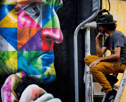il Murales di Dante con l'autore